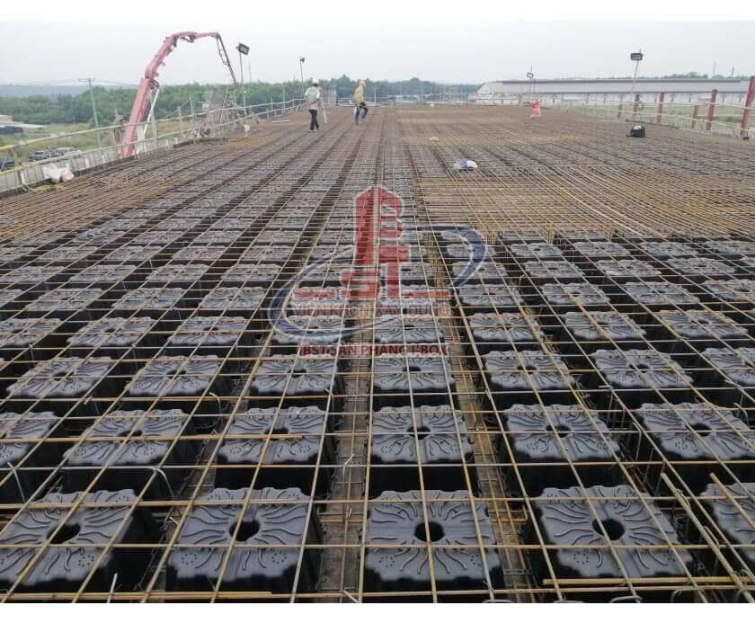 Buoc 4 quy trình lắp thép lưới thi công sàn phẳng